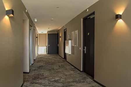 Luxe 2-persoons kamers met eigen badkamer via 3 gangen