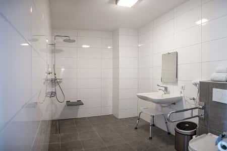 Mndervalide badkamer in het groepshotel